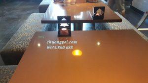 các nút chuông gọi đặt tại từng bàn